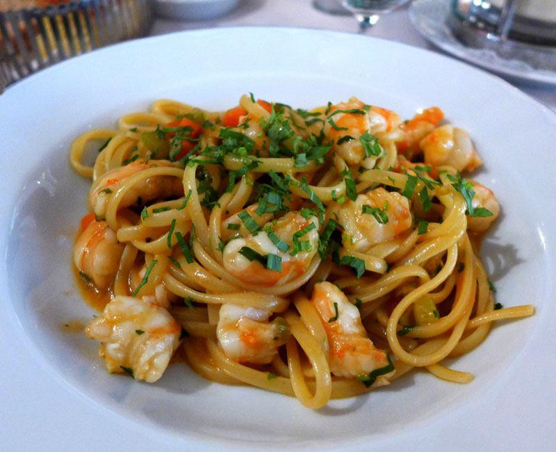 Restaurant Penati al Baretto : Linguini sauce citron ragoût de crevettes