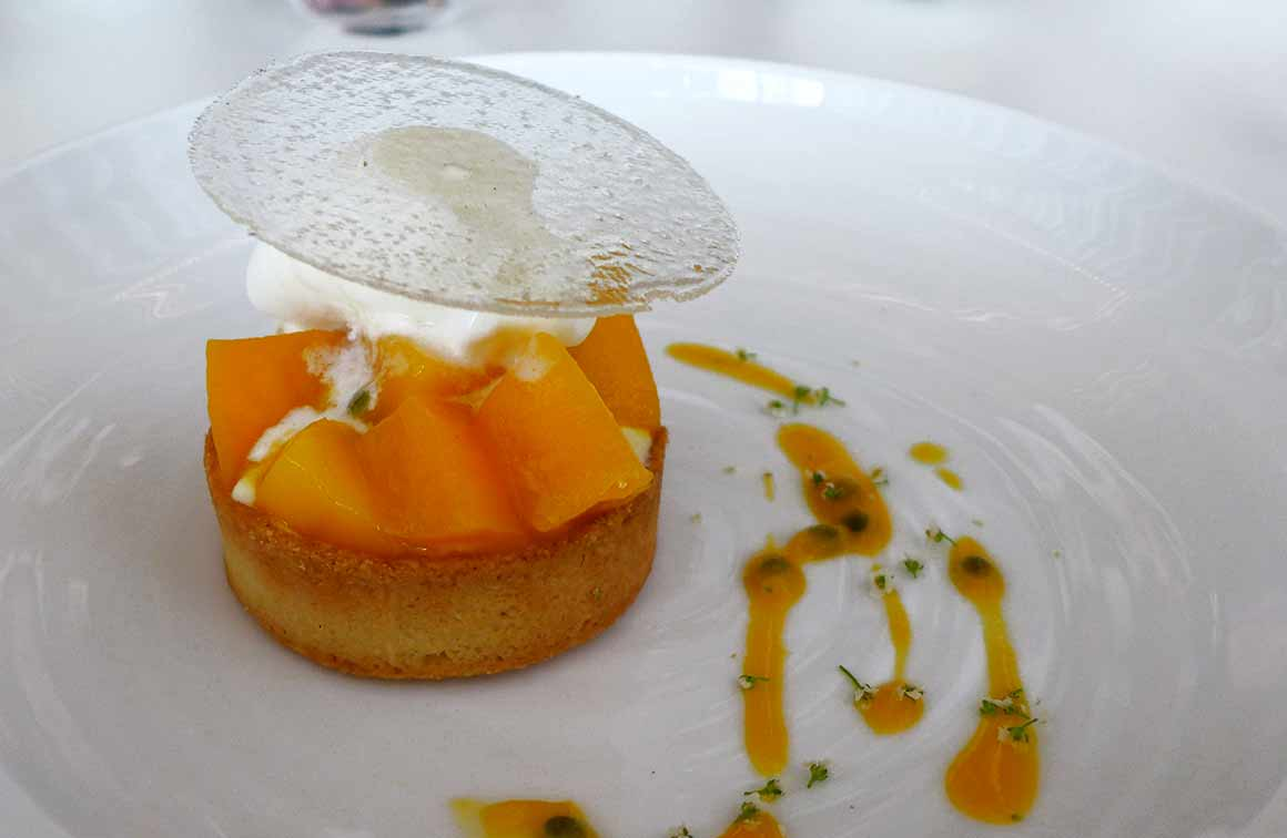 Restaurant PERTINENCE, tarte à la mangue au fruit de la Passion