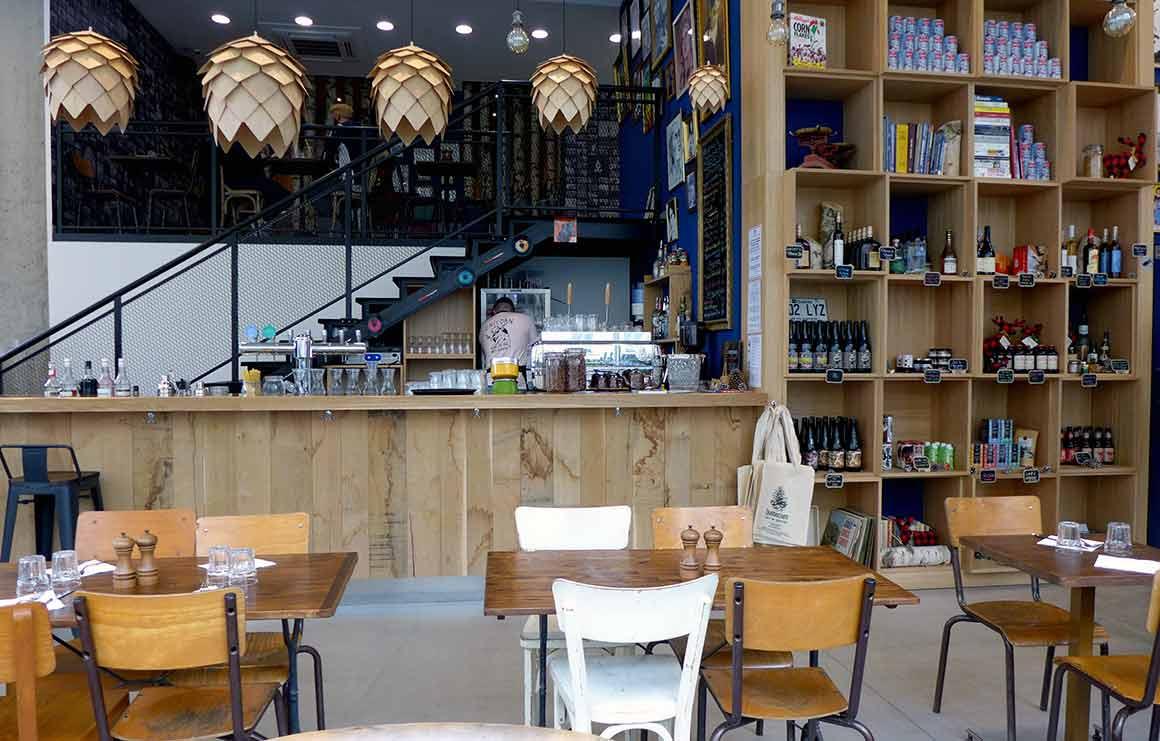 Le restaurant Quebecium, le comptoir et la boutique
