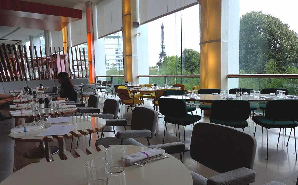Salle du restaurant RADIOEAT