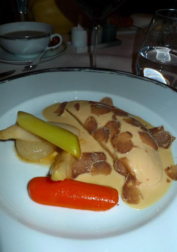 Restaurant Alain Ducasse : Volaille à la crème avec truffe d'Alba