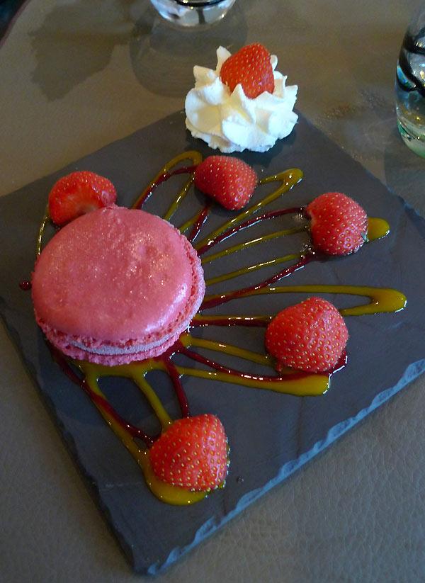 Restaurant de la Plage de monsieur Hulot : Macaron glacé framboise