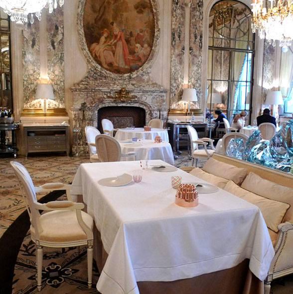 Restaurant Le Meurice, Elégance et confort de la salle