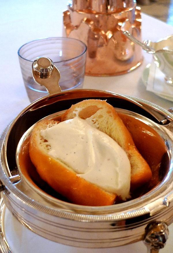 Restaurant Le Meurice, baba au rhum