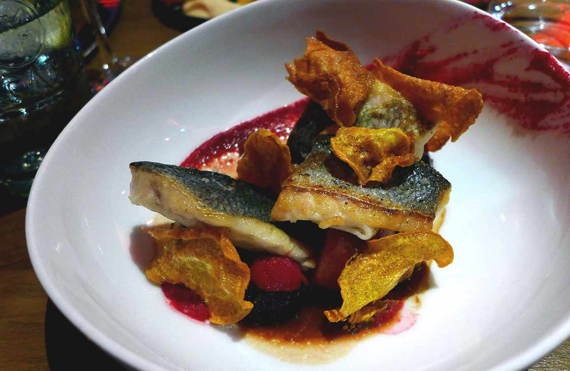 Restaurant FAUST, filet de bar betterave cumin et miel