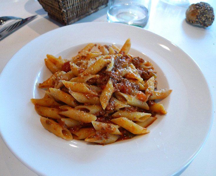 Restaurant Sassolini, penne alla bolognese