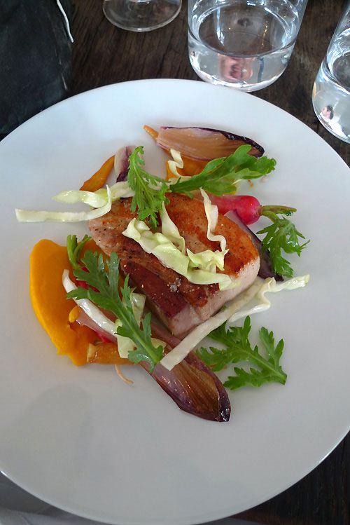 Restaurant Septime, poitrine de cochon avec carottes et choux pointu