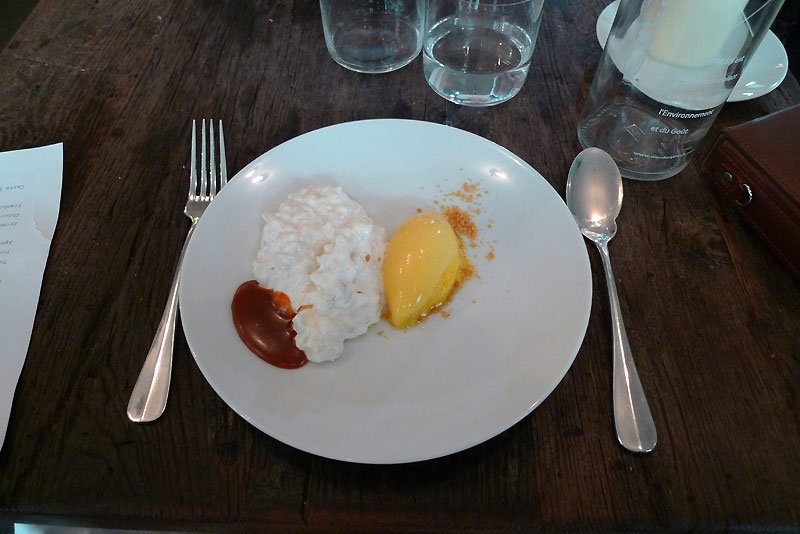 Restaurant Septime, riz au lait vanille avec caramel lacté et sorbet passion