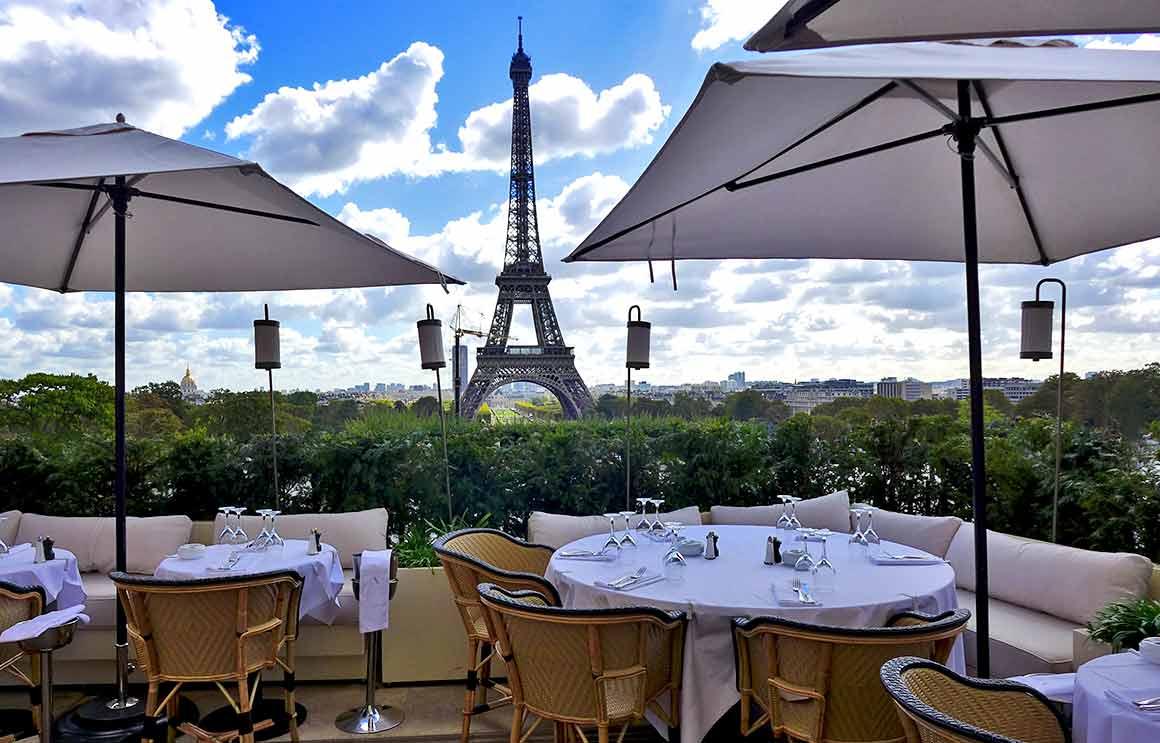 Restaurant Girafe, La vue de la tour Eiffel