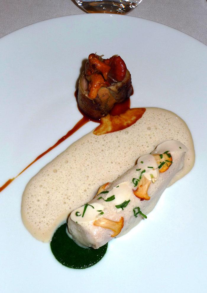Restaurant Mandarin Oriental : Volaille de Bresse avec amandes et girolles