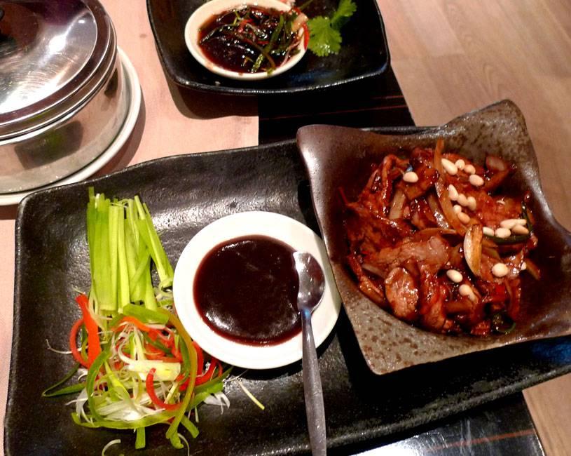 Restaurant TAOKAN, canard sauce Hoisin et petites crêpes mandarin