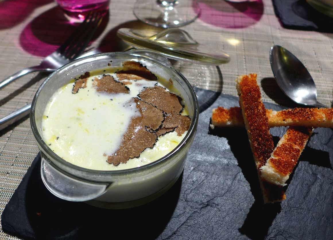 Restaurant Truffes Folies : Œuf cocotte aux truffes