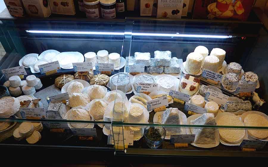 Fromagerie Monbleu, élection de fromages de chèvre