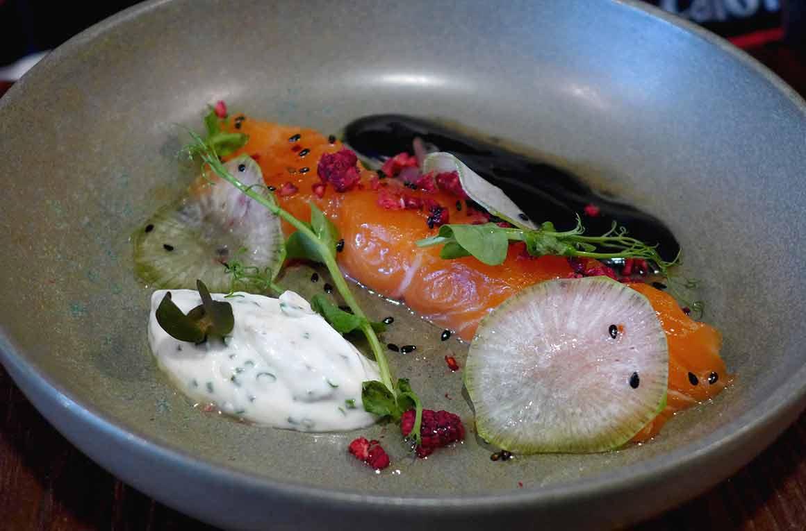 Restaurant L'Escient, Saumon avec légumes et sauce soja citron vert