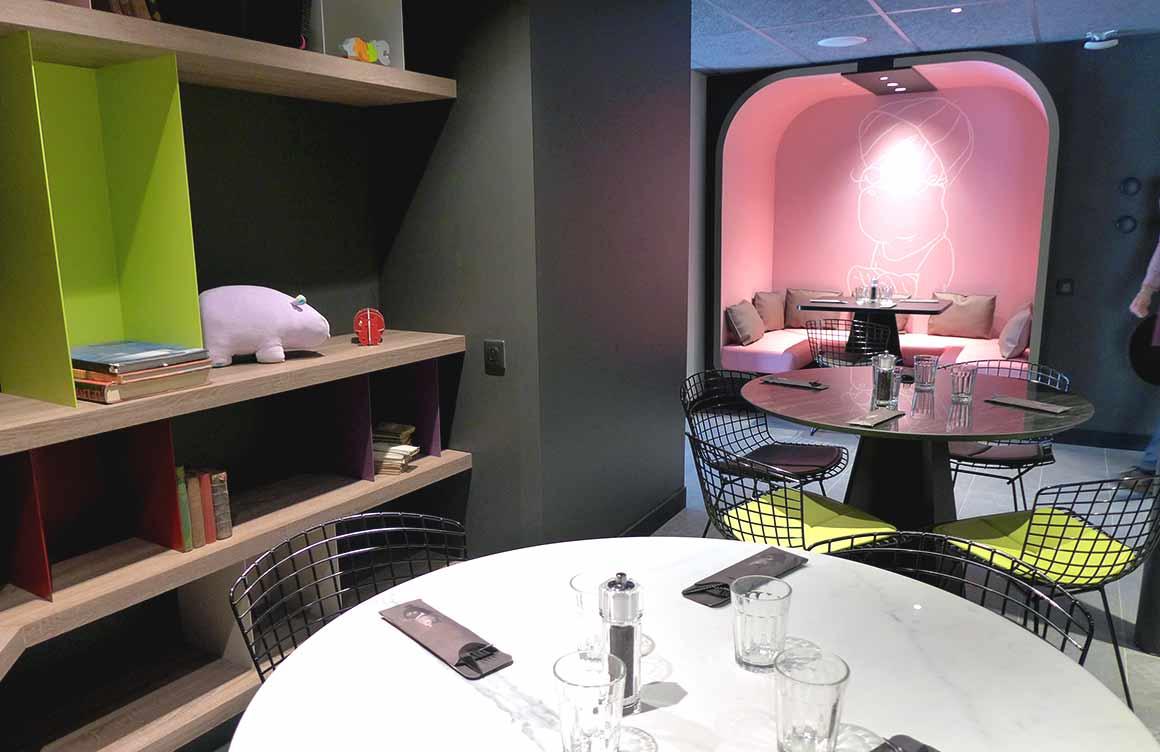 Restaurant Hippopotamus, la salle à l'étage