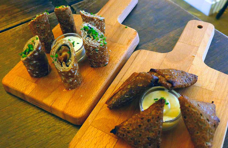 Crêperie Brutus, Roulés de sarrasin au saumon avec yuzu et crème aneth