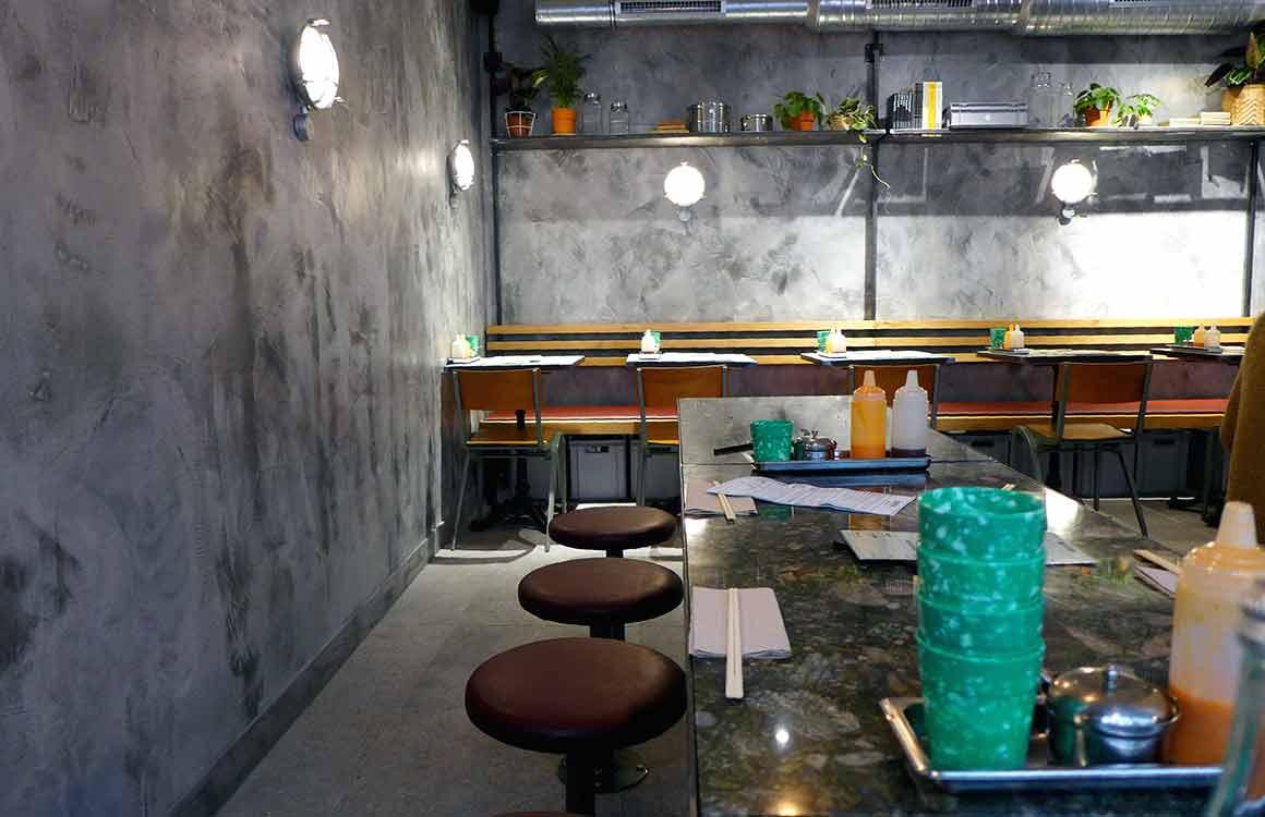 Restaurant On The Bab, la salle