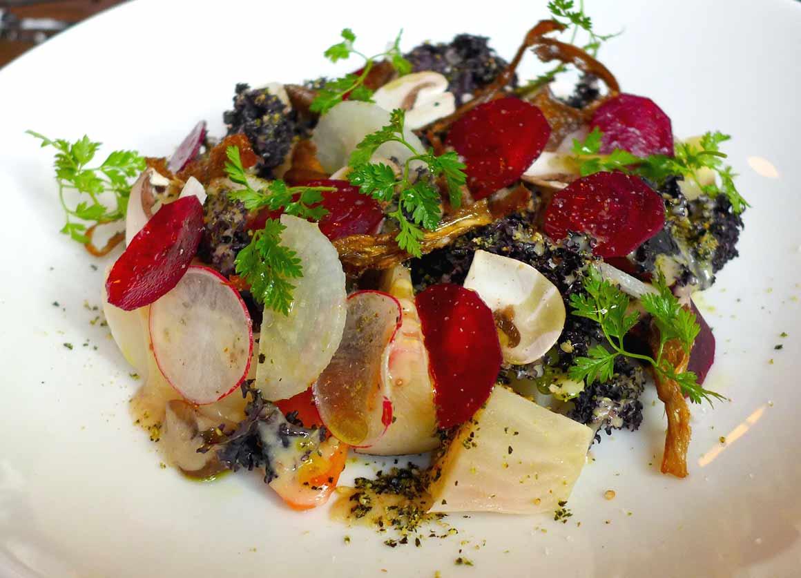 Restaurant Tomy & Co, légumes crus et cuits