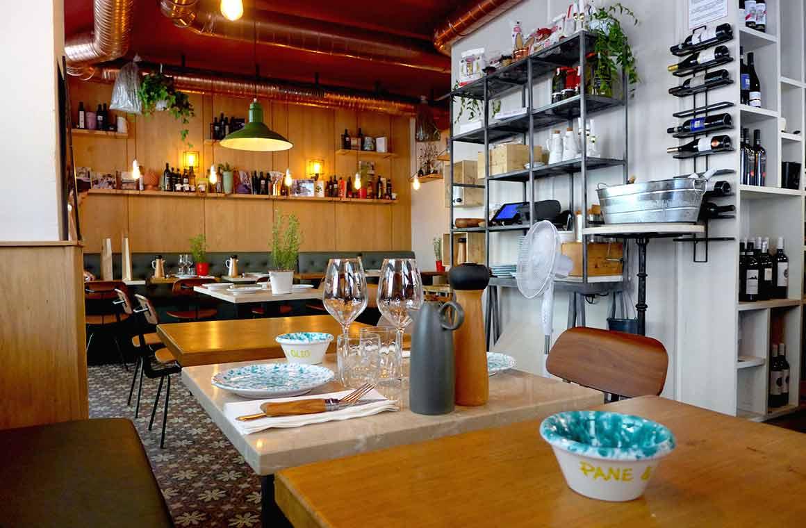 Restaurant Pane E Olio, La salle
