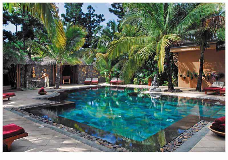 Dinarobin hôtel piscine